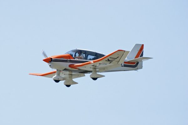 Avion DR 400